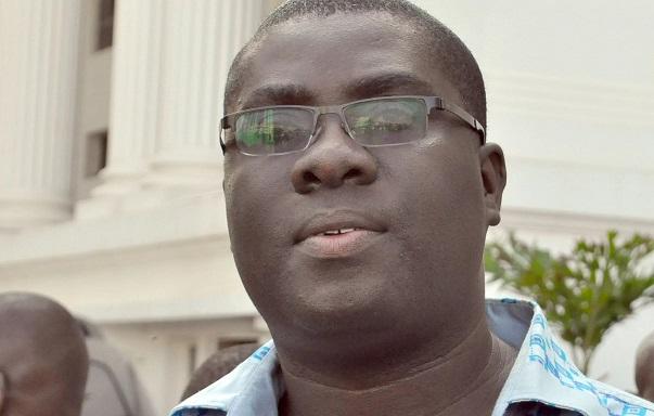 Photo of Akufo-Addo appoints Sammi Awuku NLA boss