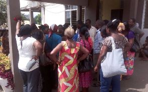 Photo of Kumasi Central Market traders besiege KMA over 'high' tolls