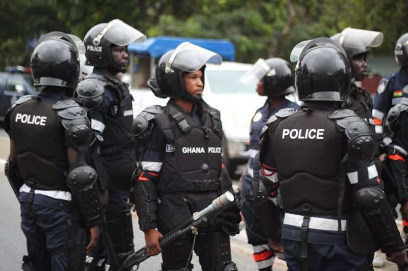 Photo of Ashanti police on manhunt for Manso-Dadiese robbers