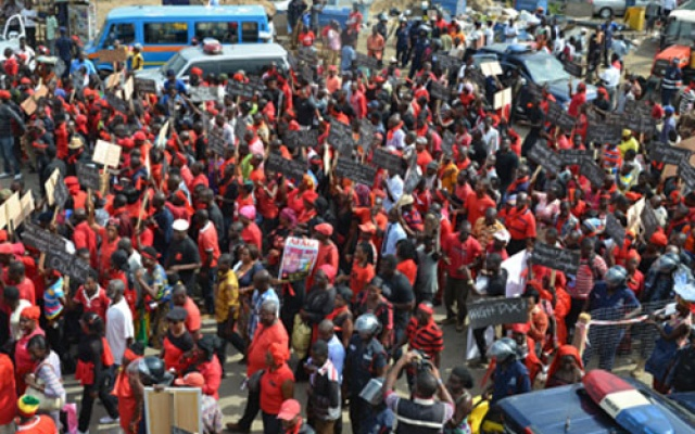 Photo of Anti-defence deal demo receives massive turnout (Photos)