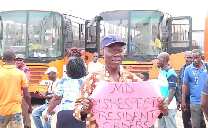 Photo of Metro Mass workers threaten to sue government over unpaid salaries