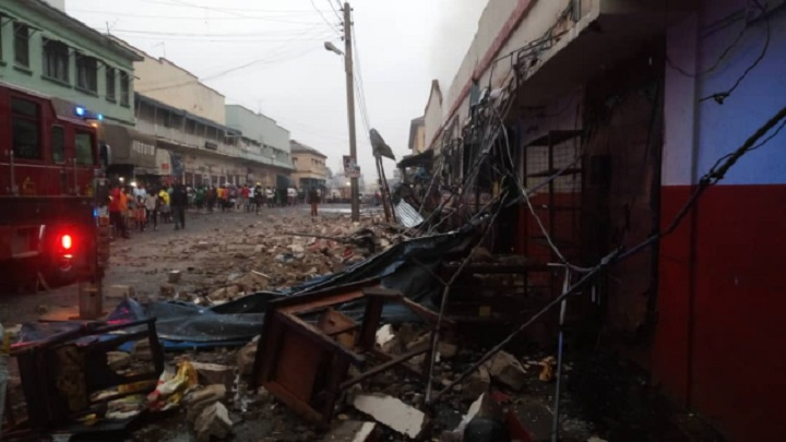 Photo of Photos: Fire destroys several Adum shops in Kumasi