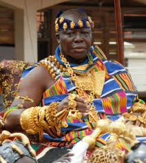 Photo of Asantehene dissolves Asantehemaa's court