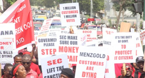 Photo of Menzgold customers threaten to sue gov't