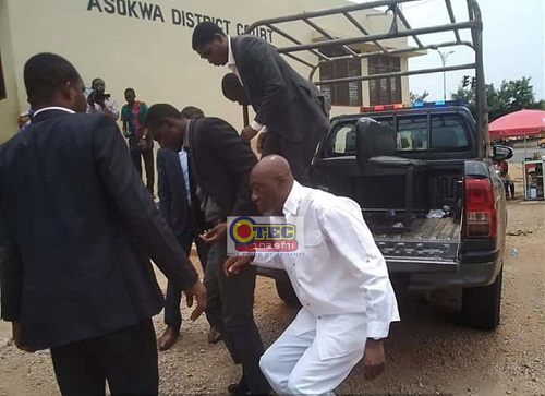 Photo of Covid 19: Kumasi pastor who defied church ban granted GH¢ 10,000 bail (Video)