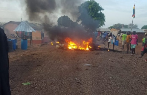 Photo of NPP youth set fire to party property in Dorma Central