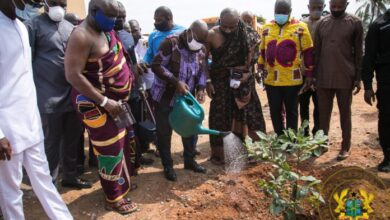 Photo of Akufo-Addo cuts sod for 400-bed maternity, nephrology and kidney transplant centre at Korle Bu