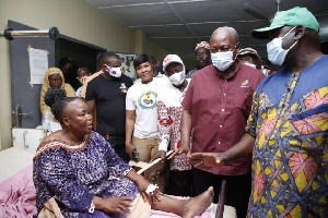 Photo of Mahama promises to foot bills of NDC victims at Frante