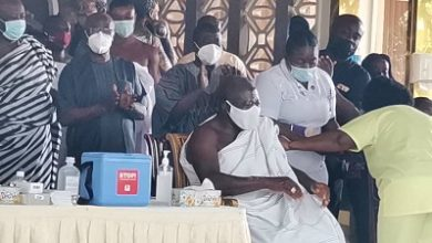 Photo of COVID-19: Asantehene, wife vaccinated