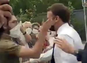 Photo of Video: French president slapped by protester