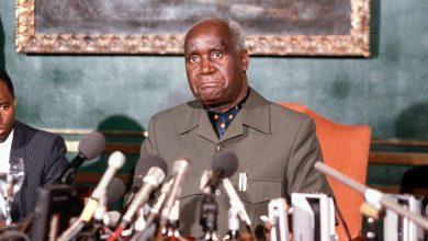 Photo of Kenneth Kaunda: Zambia's first president dies aged 97