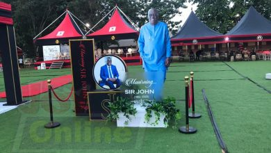 Photo of Photos+Video: Sir John laid in state