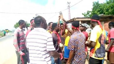 Photo of C/R: Chief, landguards arrested for exhuming corpse at Assin Adeambra