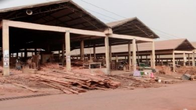Photo of Kumasi woodworkers march over Kaase Angola eviction