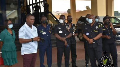 Photo of 'Honest' police officer receives over GHS10,000 for returning GHS2,000 he found at ATM